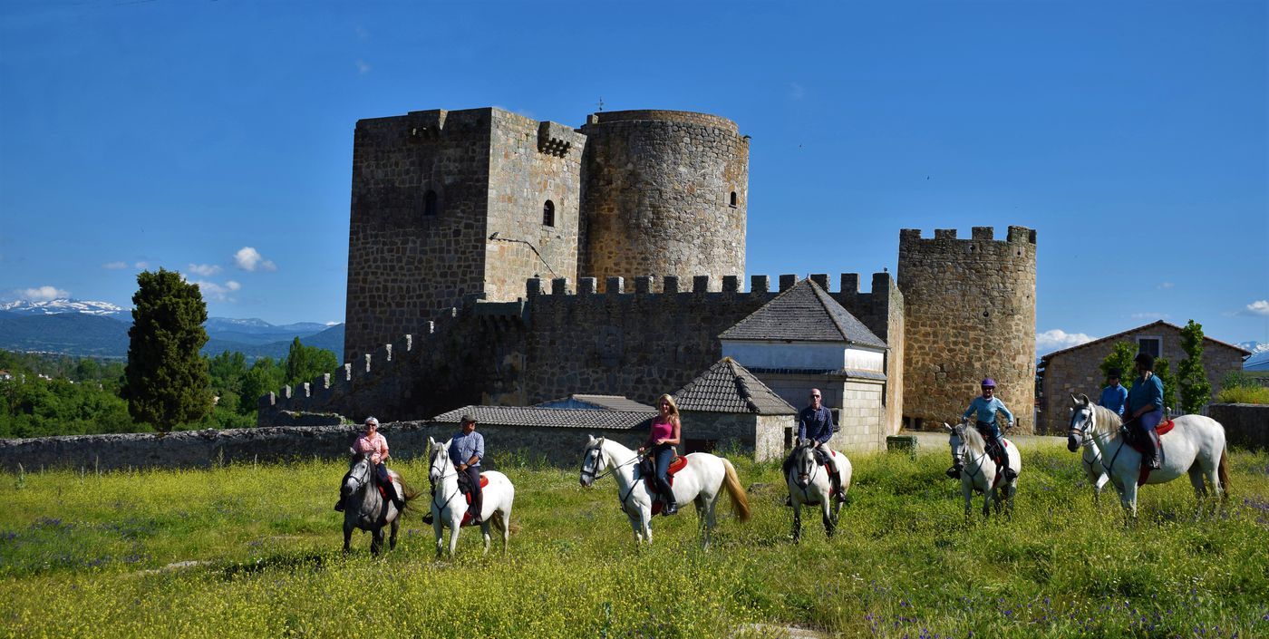 Castles of Gredos itinerary.